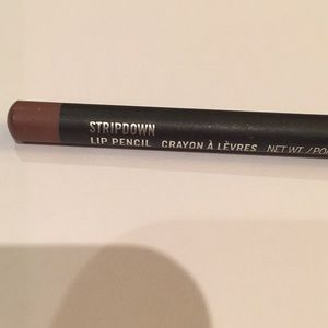 Mac Stripdown Lipliner. Only swatched not used🌸
